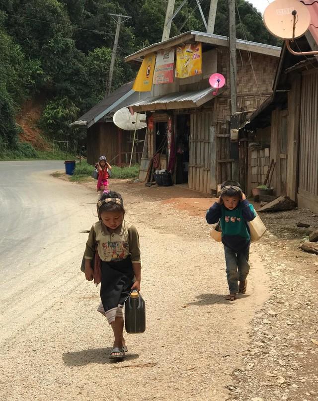 7 ngày đi phượt ở Lào: Ít nhất 2 lần bị công an hỏi thăm, đi rồi mới thấy cơm nhà ăn hằng ngày đáng quý biết chừng nào... - Ảnh 17.