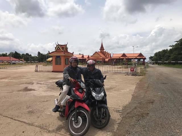 7 ngày đi phượt ở Lào: Ít nhất 2 lần bị công an hỏi thăm, đi rồi mới thấy cơm nhà ăn hằng ngày đáng quý biết chừng nào... - Ảnh 3.