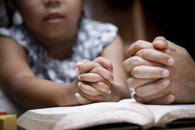 Khi con bị bắt nạt, cha mẹ đừng dạy con nói 3 từ này bằng không càng khiến trẻ bị tổn thương nặng nề hơn - Ảnh 3.