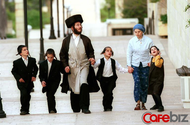 Câu chuyện dạy con vĩ đại của người cha Do Thái: Cương quyết rèn thói KỶ LUẬT với chính mình hôm nay chính là TỰ DO và GIÀU CÓ cho bản thân ngày mai - Ảnh 2.