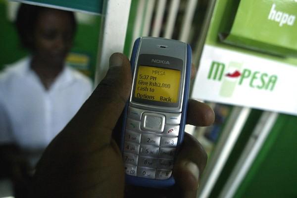 Mobile money sẽ tạo ra các tỷ phú nông dân nhờ bán hàng qua mạng - Ảnh 3.