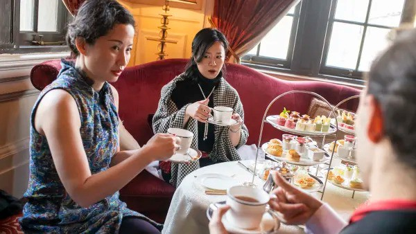 Bí ẩn ít biết trong lớp học làm quý tộc có 1-0-2 của giới thượng lưu Trung Quốc: Nhiều tiền chưa chắc đã giàu, ăn nhau ở cung cách ứng xử phương Tây! - Ảnh 3.