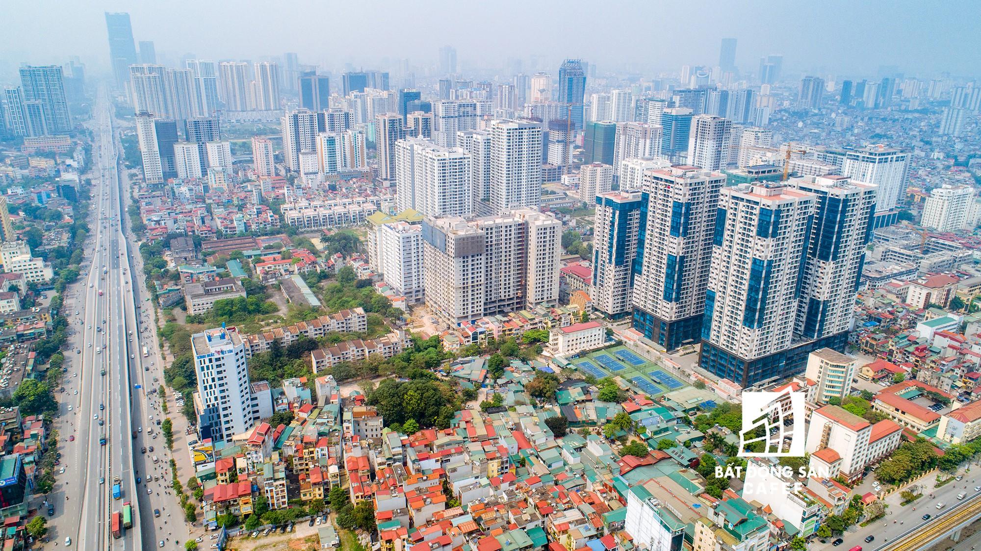 """Toàn cảnh """"rừng"""" cao ốc đang bóp nghẹt khu đô thị kiểu mẫu bậc nhất Hà Nội - Ảnh 2."""