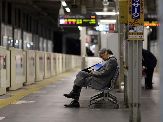 Mặt trái của nền văn hóa quá... lịch sự: Người Nhật ngày càng hung hãn - Ảnh 3.