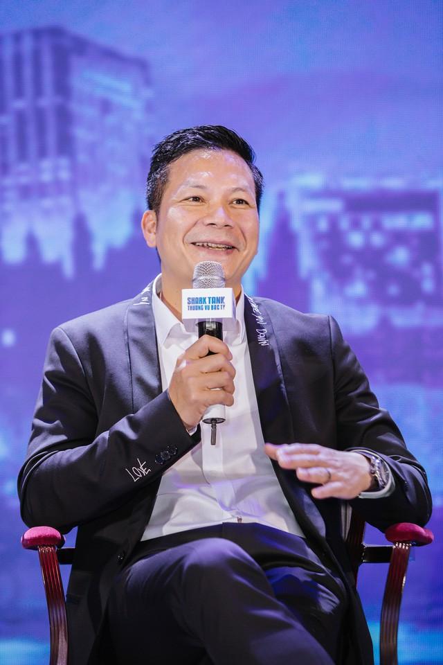 Định giá startup: Shark Hưng tin vào sự cảm tính, Shark Phi nhìn về con người, Shark Việt quan tâm nhất là tầm nhìn của founder - Ảnh 1.
