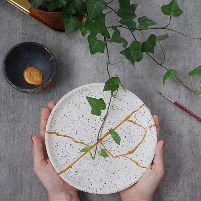 Kintsugi: Nghệ thuật dùng vàng ròng hàn gắn gốm vỡ và triết lý cuộc sống tôn vinh vẻ đẹp từ những rạn nứt tâm hồn của người Nhật - Ảnh 11.