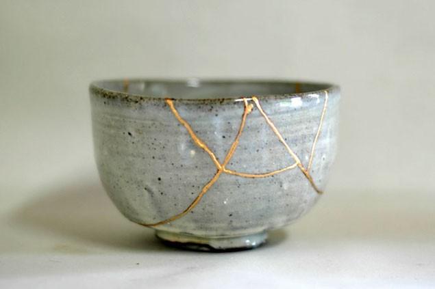 Kintsugi: Nghệ thuật dùng vàng ròng hàn gắn gốm vỡ và triết lý cuộc sống tôn vinh vẻ đẹp từ những rạn nứt tâm hồn của người Nhật - Ảnh 8.