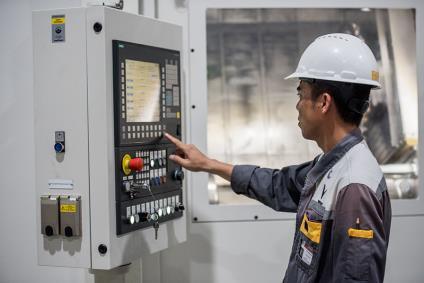 Bên trong xưởng sản xuất động cơ ô tô đầu tiên tại Việt Nam của VinFast có gì? - Ảnh 8.
