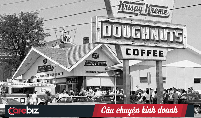 Krispy Kreme: Gần 90 năm chỉ bán mỗi bánh Donut, đi qua 2 cuộc khủng hoảng kinh tế, phát triển rực rỡ với hơn 1.100 cửa tiệm tại 25 quốc gia - Ảnh 1.