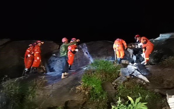 Động đất ở Tứ Xuyên (Trung Quốc): Số người thương vong tiếp tục tăng - Ảnh 3.
