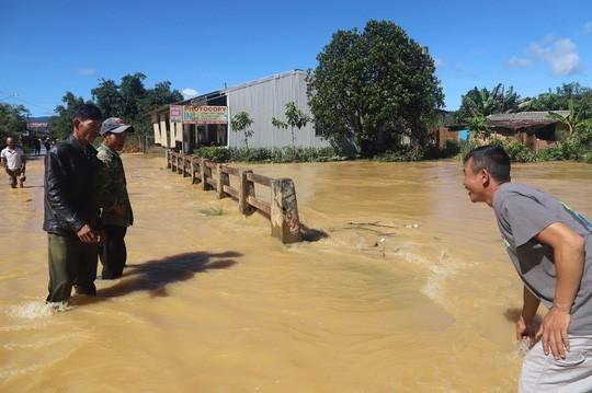 Lũ quét kinh hoàng tại TP Bảo Lộc, tỉnh Lâm Đồng  - Ảnh 7.