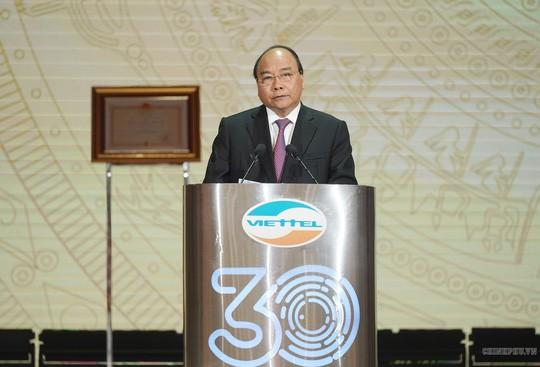 Thủ tướng: Viettel cần vươn lên sánh vai với Huawei, ZTE, Google, Facebook… - Ảnh 2.