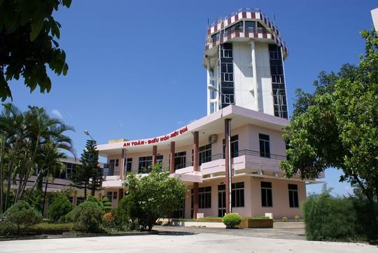 Giảm khoảng cách tối thiểu máy bay vùng trời sân bay Đà Nẵng từ 5 xuống 3 hải lý  - Ảnh 1.