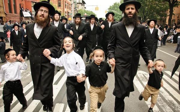 Máu liều kinh doanh làm nên câu chuyện thành công cho người Do Thái: Hãy kiên trì đúng lúc, chơi lớn đúng chỗ! - Ảnh 1.