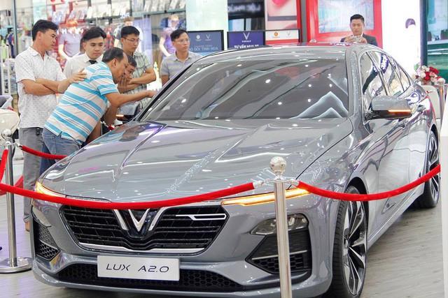 Đặt VinFast Lux sớm, khách Việt bỏ túi hơn 70 triệu đồng phí trước bạ - Ảnh 1.