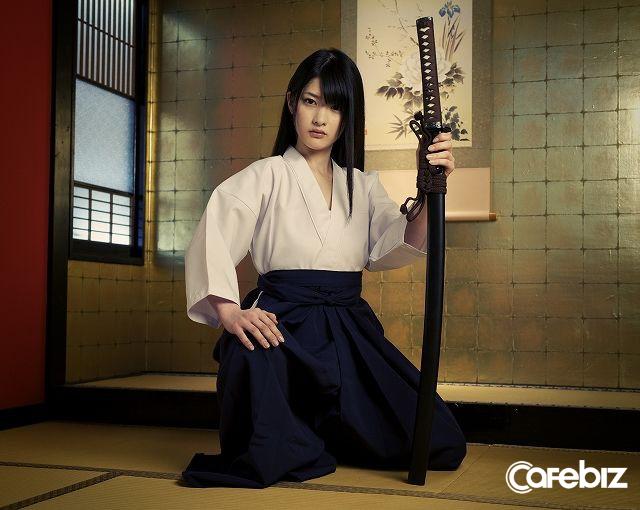 Một Nhật Bản rất khác: Tỷ lệ vợ đánh chồng ngày càng tăng, đàn ông Nhật càng ngày càng sợ vợ và bạn gái hơn? - Ảnh 1.