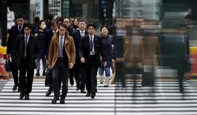 Một Nhật Bản rất khác: Tỷ lệ vợ đánh chồng ngày càng tăng, đàn ông Nhật càng ngày càng sợ vợ và bạn gái hơn? - Ảnh 2.
