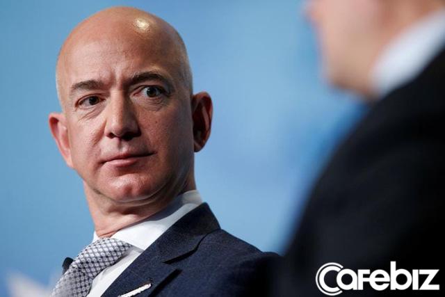 Jeff Bezos: Các doanh nhân nên bị ám ảnh bởi khách hàng, đừng khiến họ hài lòng, hãy làm họ hoàn toàn thích thú - Ảnh 1.