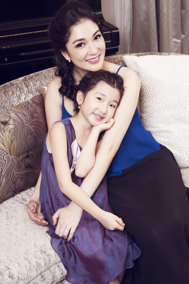Hoa hậu Việt Nam 2004: Vướng tin đồn bị đánh ghen ở tuổi 18, đám cưới bất ngờ ở tuổi 23 và cuộc sống bình yên sau giông bão ở tuổi 34 với đại gia bí ẩn - Ảnh 8.
