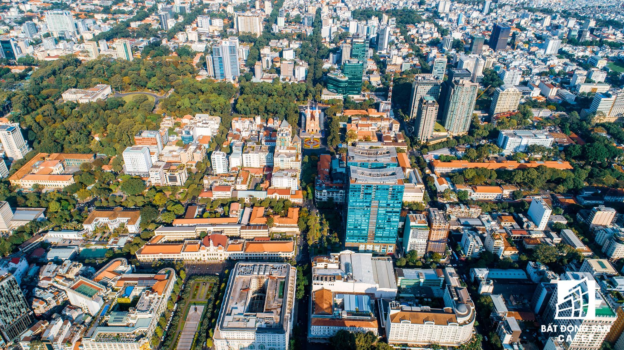Toàn cảnh con đường có giá bất động sản đắt đỏ nhất Việt Nam, lên tới 2 tỷ đồng một m2 - Ảnh 2.