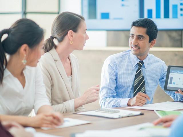 Sếp hoàn hảo là người không soi mói, biết lắng nghe và cần được đào tạo để đối xử tốt với cấp dưới! - Ảnh 2.