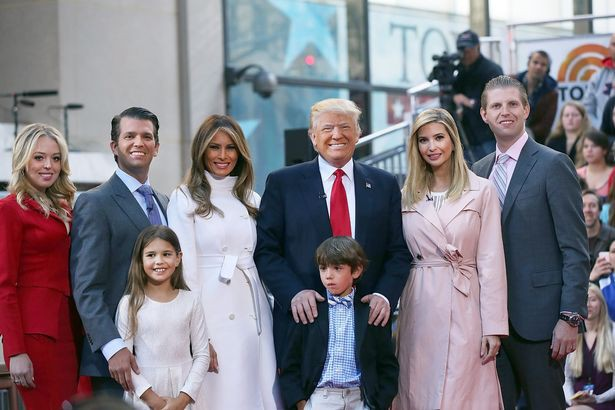 Vừa đặt chân đến Anh, con gái cưng nổi tiếng của Tổng thống Trump gây bão truyền thông nhờ thần thái hơn người, Công nương Kate cũng phải dè chừng - Ảnh 2.
