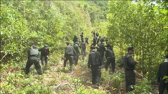 Đang cháy rừng ở Quảng Bình, hàng trăm cán bộ được huy động dập lửa  - Ảnh 3.