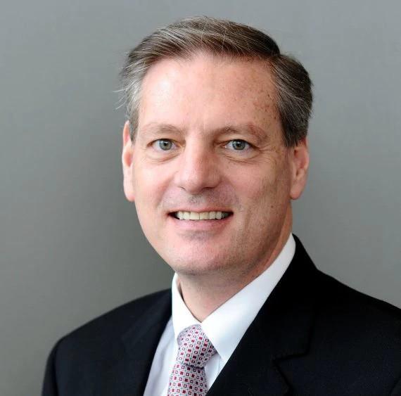 Ông James B.Deluca: Amazon mời tôi làm quản lý cấp cao, nhưng tôi từ chối để đầu quân cho VinFast - Ảnh 1.