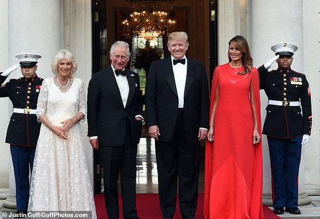Ngày thứ 3 tại Anh, Ivanka Trump tiếp tục làm chao đảo giới truyền thông, lấn át cả gia đình Hoàng gia bằng màn thể hiện xuất chúng - Ảnh 7.