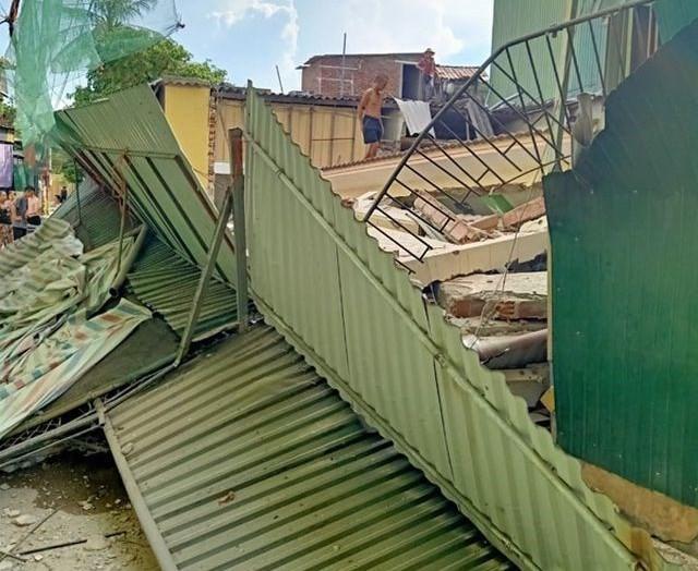 Hiện trường vụ sập nhà tại Hà Tĩnh vùi lấp người bên trong - Ảnh 3.