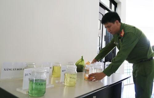 Vụ bắt giam đại gia Trịnh Sướng: Bán hàng chục triệu lít xăng giả ra thị trường - Ảnh 1.