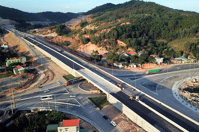 """8.350 tỷ đồng """"rót"""" vào hạ tầng khu kinh tế Vân Đồn - Quảng Ninh - Ảnh 1."""