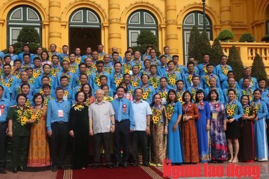Tổng Bí thư, Chủ tịch nước Nguyễn Phú Trọng gặp mặt cán bộ Công đoàn tiêu biểu  - Ảnh 5.