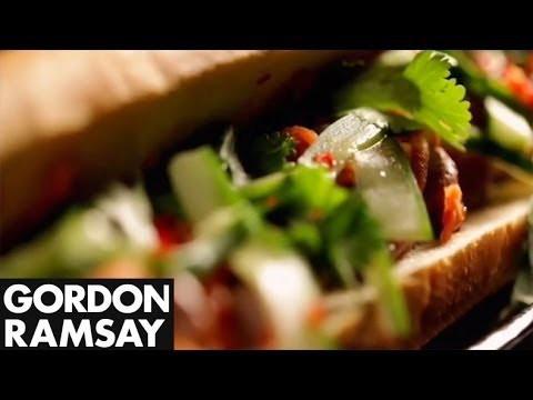 Miệt mài quảng bá món Việt, Gordon Ramsay đích thực là fanboy có tâm của ẩm thực Việt Nam - Ảnh 6.