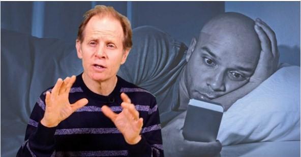 Đây là cách não bạn bị tàn phá mỗi ngày nếu dùng điện thoại trước khi đi ngủ: Giá như ai cũng biết sớm để bỏ! - Ảnh 2.