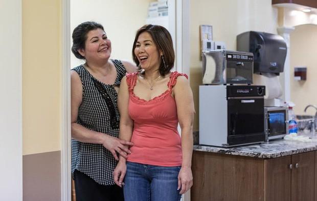 Câu chuyện của 2 phụ nữ gốc Việt làm nghề nail ở Mỹ: Tiền kiếm dễ nhưng nước mắt chảy ngược vào trong, đánh đổi sức khỏe để mưu sinh trên đất khách - Ảnh 6.