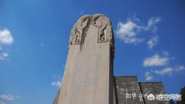 Lăng mộ Võ Tắc Thiên ngàn năm không ai xâm phạm nhưng vì sao 61 tượng bên trong mất đầu? - Ảnh 2.