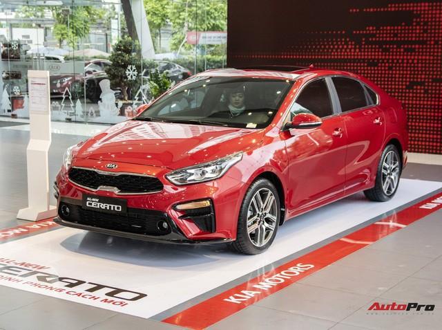 Hàng loạt mẫu xe Kia bán dưới giá niêm yết tại đại lý trong tháng Ngâu, cao nhất 20 triệu đồng - Ảnh 2.