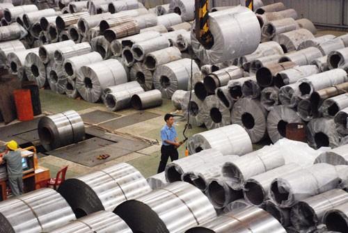 Chặn hàng xuất khẩu đội lốt made in Vietnam - Ảnh 1.