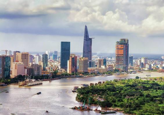 HSBC: Kinh tế Việt Nam năm 2019 ít lạc quan hơn, nhưng vẫn vững chắc - Ảnh 1.