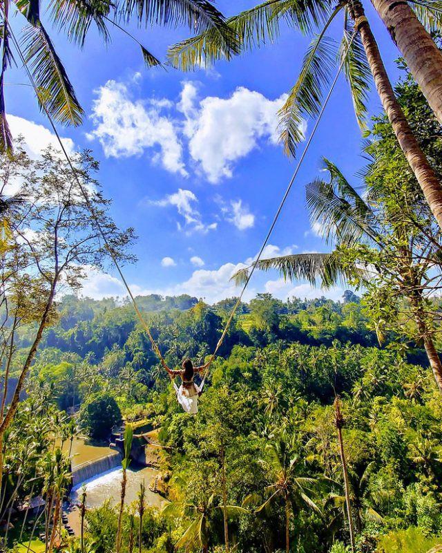 Trải nghiệm du lịch Bali Swing – Trò đu dây mạo hiểm nhưng vạn người mê ở quốc đảo Indonesia - Ảnh 1.