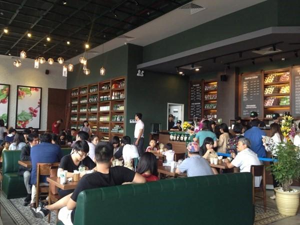Phúc Long khách xếp hàng từ sáng đến đêm nhưng vẫn lãi bèo bọt và cuộc đại chiến với những người khổng lồ Highlands, Starbucks - Ảnh 1.