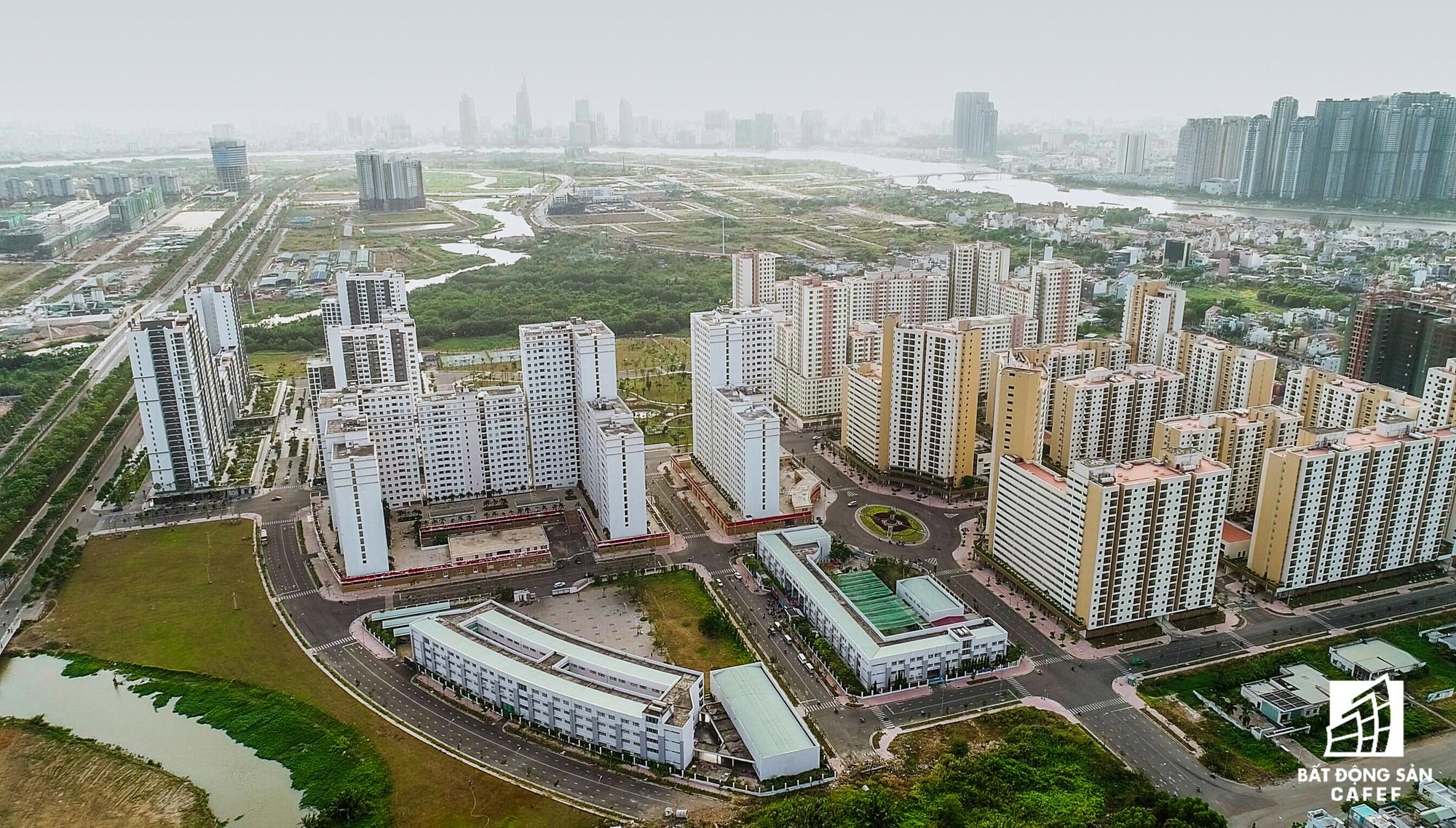 Toàn cảnh khu tái định cư đồ sộ nhất TPHCM, chục nghìn căn hộ không ai ở, bán đấu giá nhiều lần thất bại - Ảnh 7.