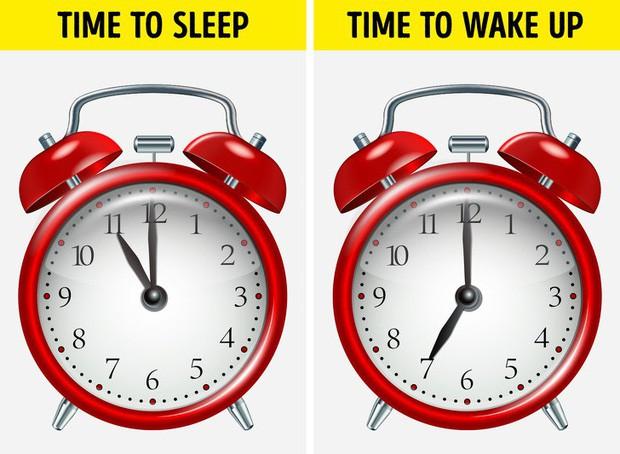 6 thói quen cứ làm đều đặn trước khi ngủ sẽ giúp cân nặng của bạn giảm xuống - Ảnh 1.
