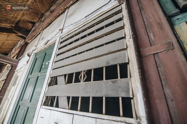 Khu tập thể gỗ xuống cấp nghiêm trọng tồn tại gần 70 năm giữa lòng Hà Nội: Không nhà vệ sinh, là lãnh thổ của bầy chuột sinh sôi - Ảnh 22.
