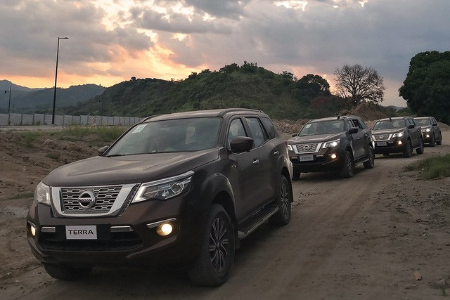 Xả hàng, Nissan Terra liên lục giảm giá cả trăm triệu đồng, chạy đua theo Toyota Fortuner - Ảnh 1.