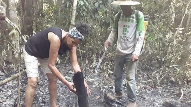 Thảm cảnh của thổ dân trước vụ cháy rừng Amazon tàn khốc nhất lịch sử: Chúng tôi đã khóc khi dập lửa, nhiều gia đình mất hết tất cả - Ảnh 1.