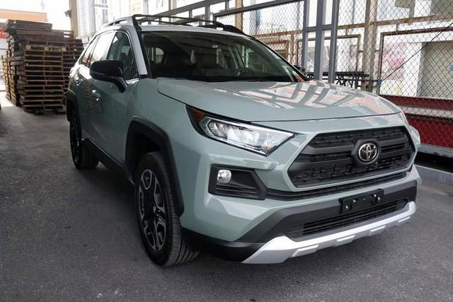 Thích xe Toyota nhập Mỹ, đại gia Việt vẫn chịu giá đắt gấp đôi đối thủ, vung tiền tỷ sở hữu hàng độc - Ảnh 1.