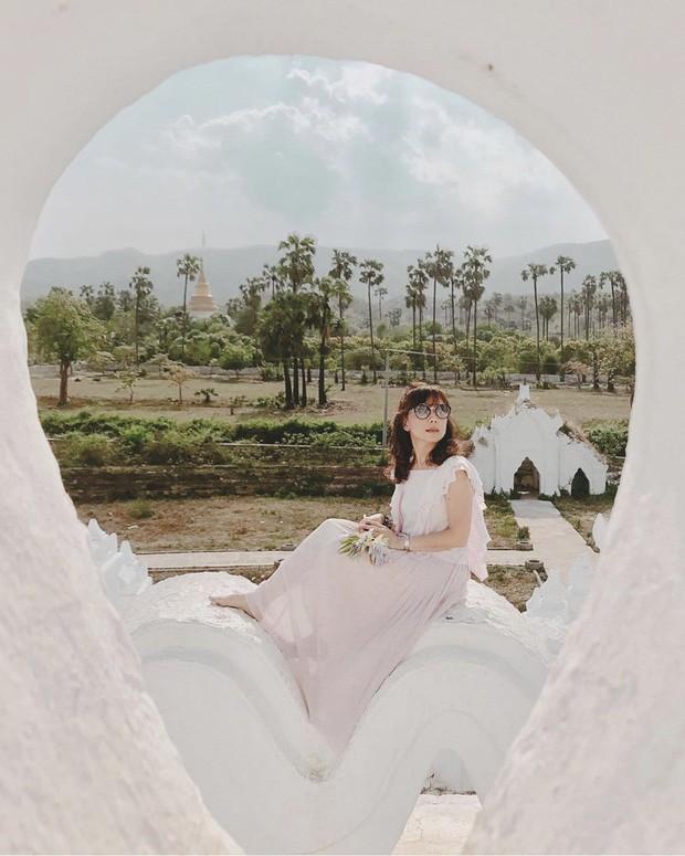 Ngỡ ngàng thấy dân du lịch check-in bước trên… sóng ở ngôi chùa trắng đẹp nhất nhì Đông Nam Á - Ảnh 10.