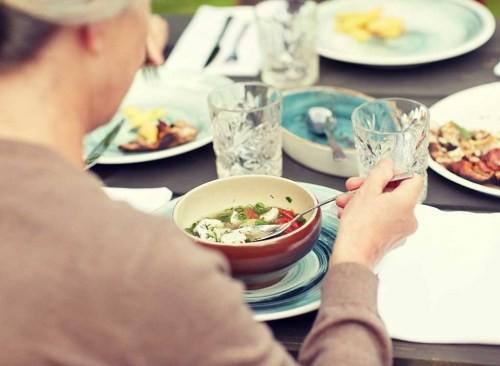 Chuyên gia tiết lộ bí mật kinh khủng ở các nhà hàng: Thích đến mấy cũng đừng động vào 8 món ăn này kẻo ngộ độc, ai nghe xong cũng cạch tới già! - Ảnh 8.